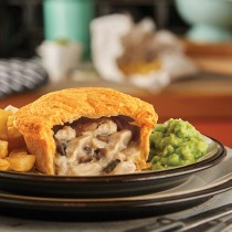 Unwrapped Pukka Chicken & Mushroom Pie 1x12